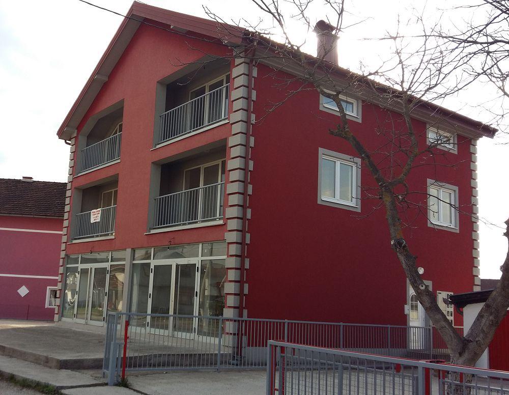 Prodaja stanova, Ukrinska - Derventa